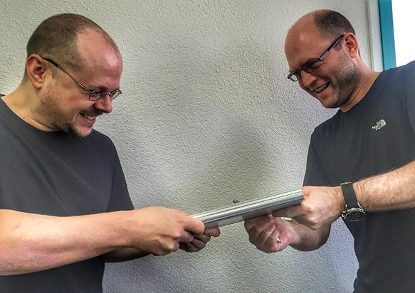 Kampf_um_erstes_Microsoft_Surface_Book.jpg